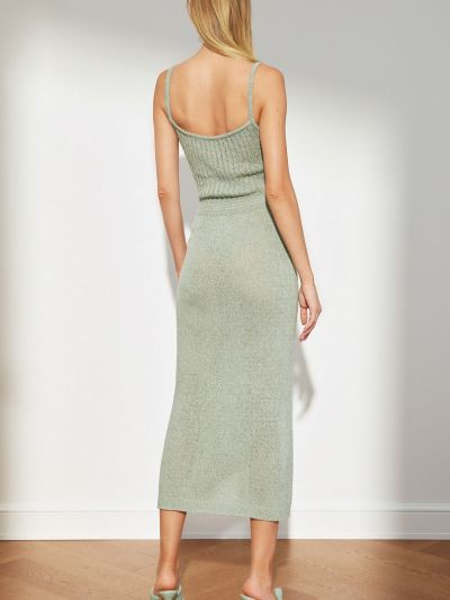 Трикотажное платье миди с декольте мятное Trendyol