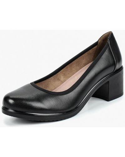 Кожаные туфли на каблуке осенние Baden