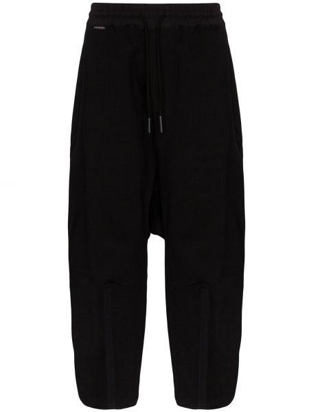 Черные прямые брюки с заниженным шаговым швом с карманами новогодние Byborre