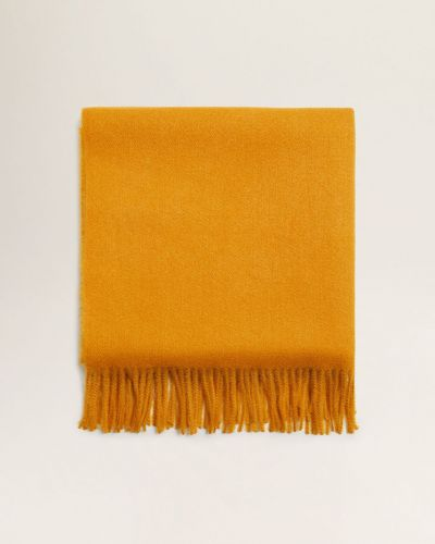 Шарф желтый с кисточками Mango