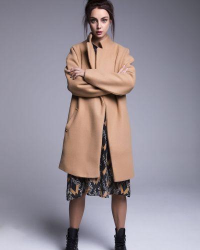 Пальто с карманами Naoko
