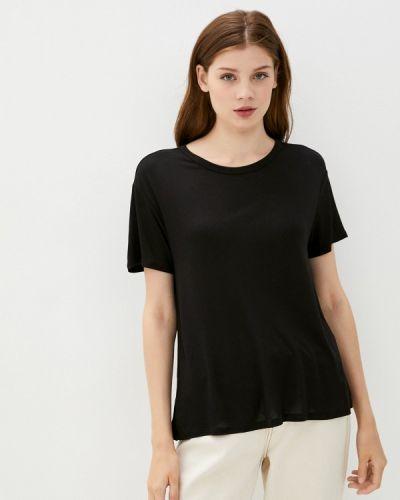 С рукавами черная футболка Colin's