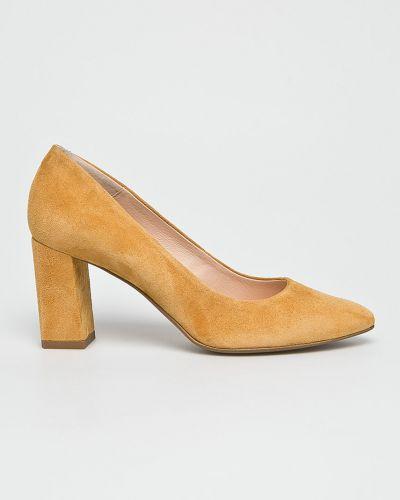 Кожаные туфли на каблуке замшевые Wojas