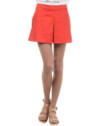 Красные шорты Love Moschino