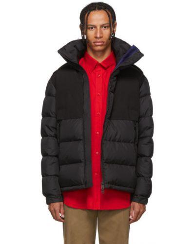 Puchaty czarny pikowana kurtka z mankietami z kieszeniami Moncler