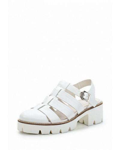 Белые босоножки на каблуке La Grandezza