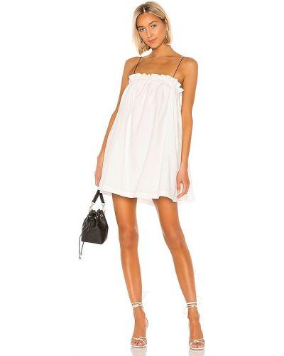 Белое платье мини для полных с декольте L'academie