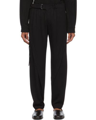 Czarne spodnie z paskiem srebrne Vejas