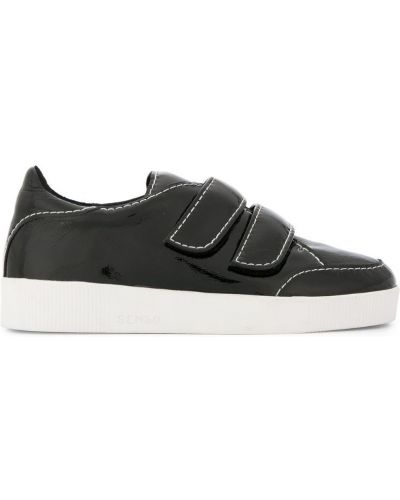 Кроссовки черные Senso