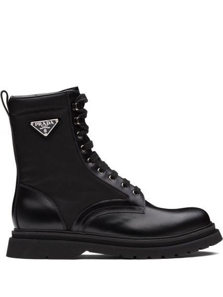 Skórzany buty z logo Prada