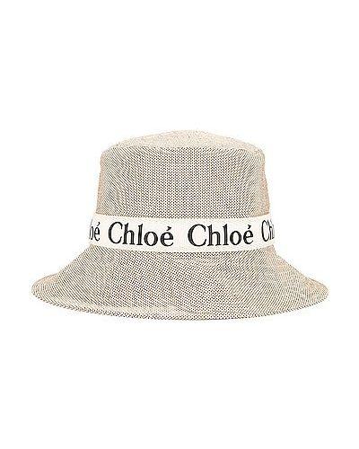 Biała czapka skórzana Chloe