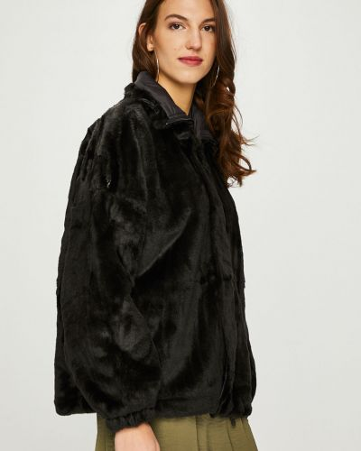 Утепленная куртка с карманами черная Review