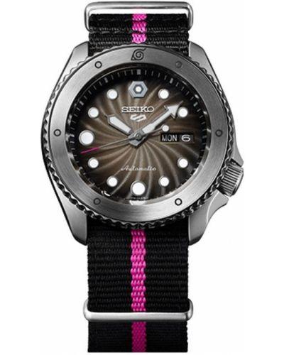 Czarny zegarek sportowy Seiko