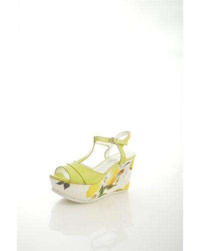 Босоножки желтый на каблуке Dino Ricci Trend