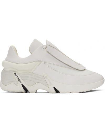 Кожаные белые кроссовки на каблуке Raf Simons