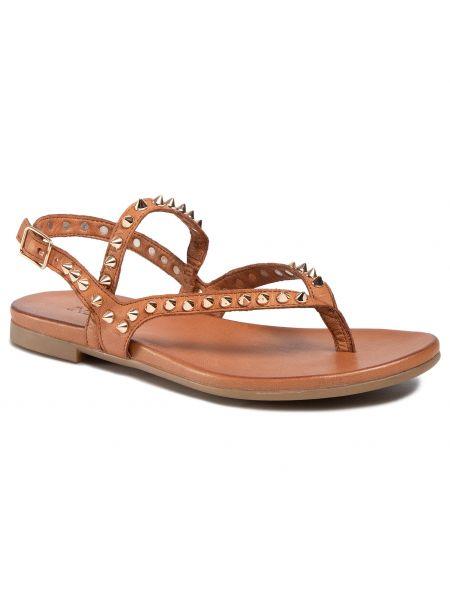 Brązowe sandały Inuovo