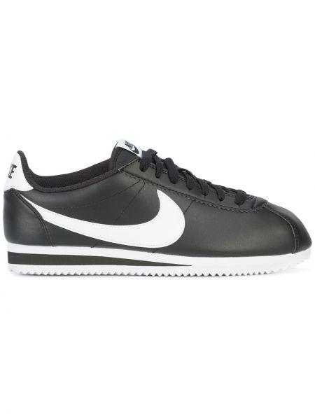 Кожаные кроссовки черные с логотипом Nike