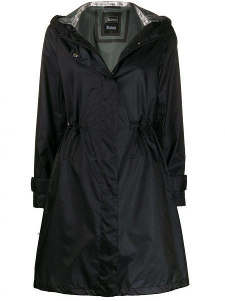 Черная длинное пальто с капюшоном на молнии Herno