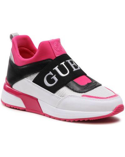 Różowe sneakersy Guess