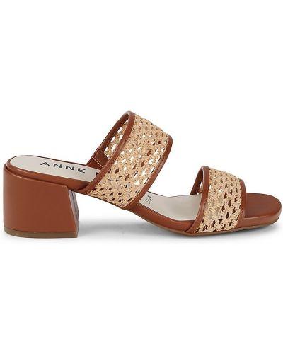 Сандалии на каблуке Anne Klein