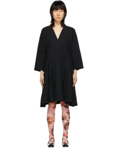 Платье макси плиссированное с V-образным вырезом Henrik Vibskov