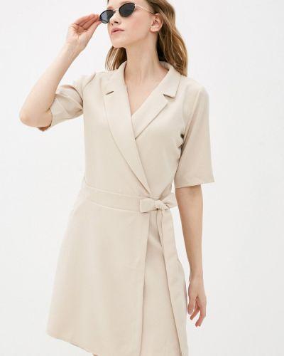 Бежевое платье с запахом Trendyol