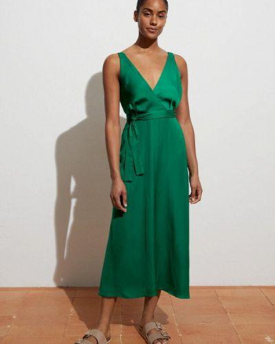 Зеленое платье с запахом Oysho