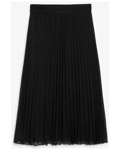 Черная плиссированная юбка Monki