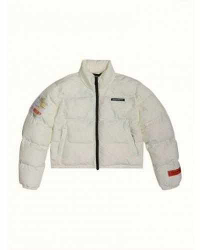 Biały płaszcz Heron Preston
