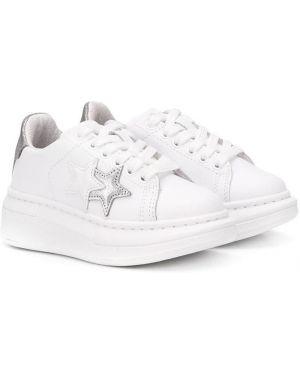 Белые кеды на шнурках с заплатками 2 Star Kids