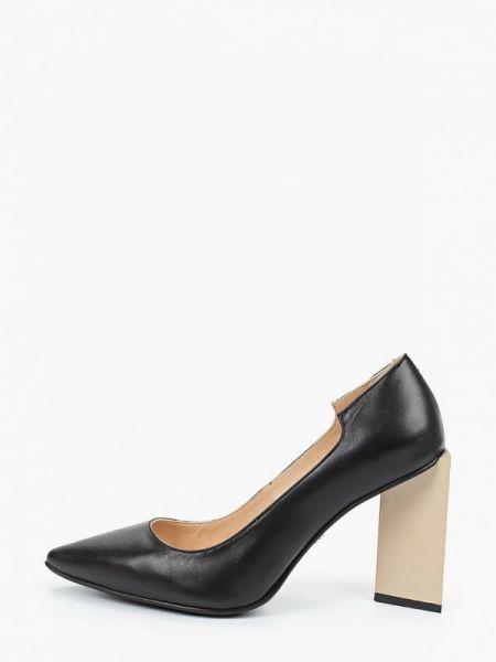 Кожаные туфли черные осенние Hestrend
