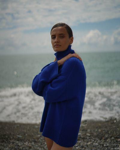 Трикотажный джемпер - синий Vassa&co