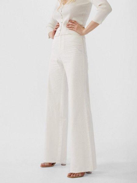 Широкие джинсы расклешенные белые Stradivarius