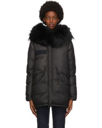 Пуховая черная длинная куртка с манжетами с перьями Mr & Mrs Italy