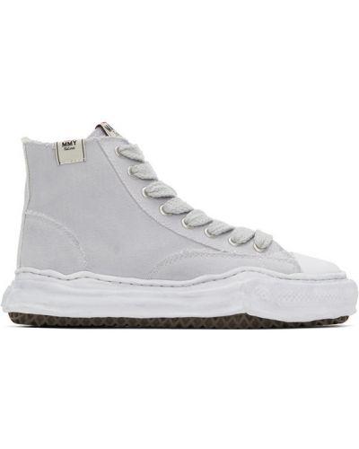 Białe wysoki sneakersy sznurowane koronkowe Miharayasuhiro