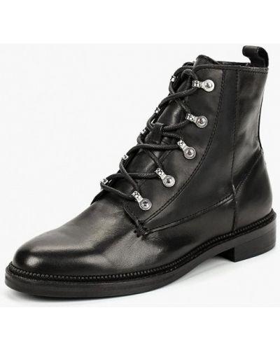 Кожаные ботинки осенние на каблуке Mango