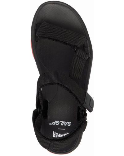 Открытые черные с ремешком сандалии Camper