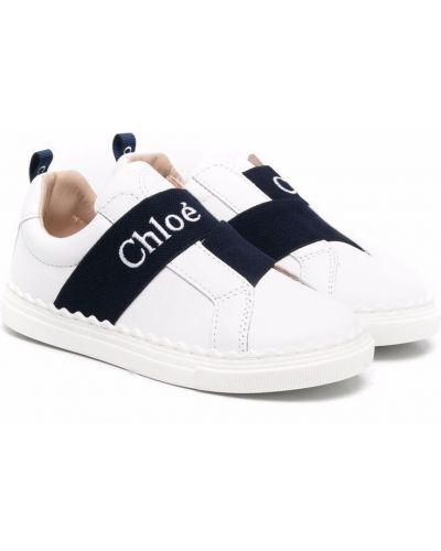 Białe sneakersy skorzane Chloé Kids