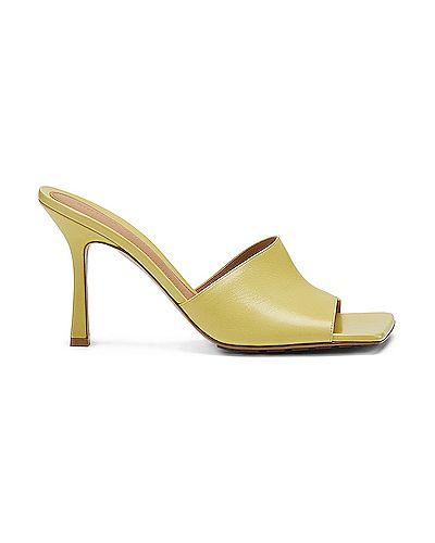 Домашние желтые кожаные мюли Bottega Veneta