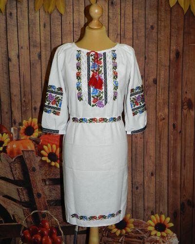 Платье с вышивкой - белое Novakoza