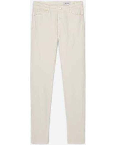 Białe jeansy zimowe Marc O Polo