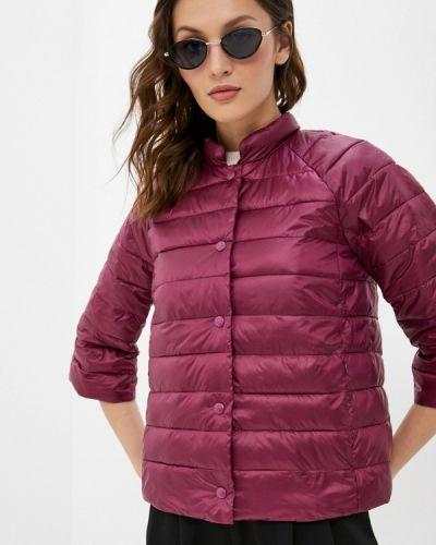 Утепленная красная куртка снежная королева
