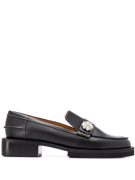 Лоферы черные на каблуке Ganni