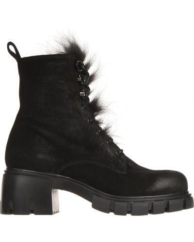 Ботинки на каблуке осенние замшевые Fru.it