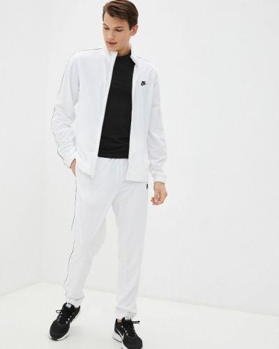 Костюмный белый спортивный костюм Nike