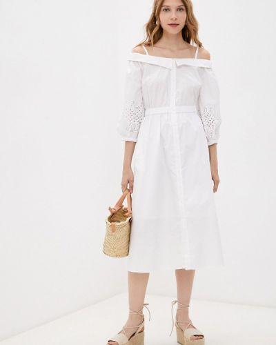 Белое платье с открытыми плечами Love Republic