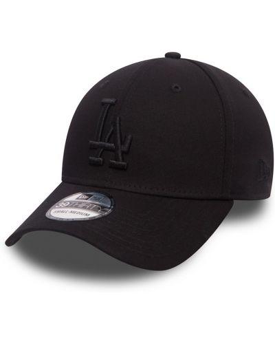 Черная шляпа New Era