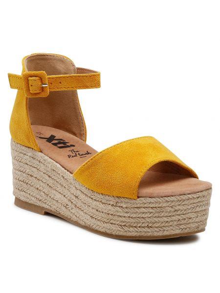 Żółte sandały casual Xti