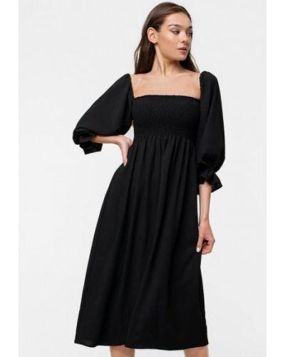 Черное платье с открытыми плечами Magnetic