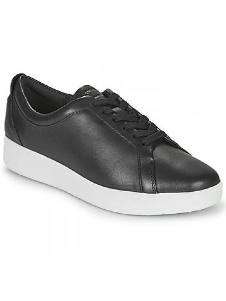 Czarne sneakersy Fitflop
